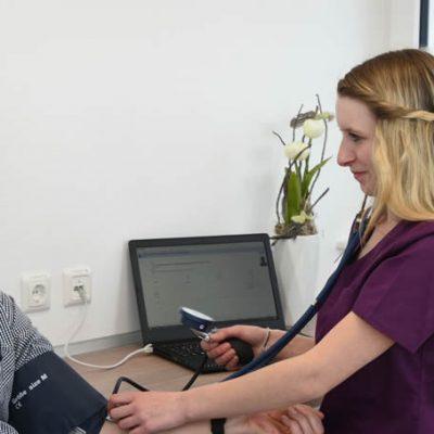 Blutdruckmessung Praxis Urologie Nguyen